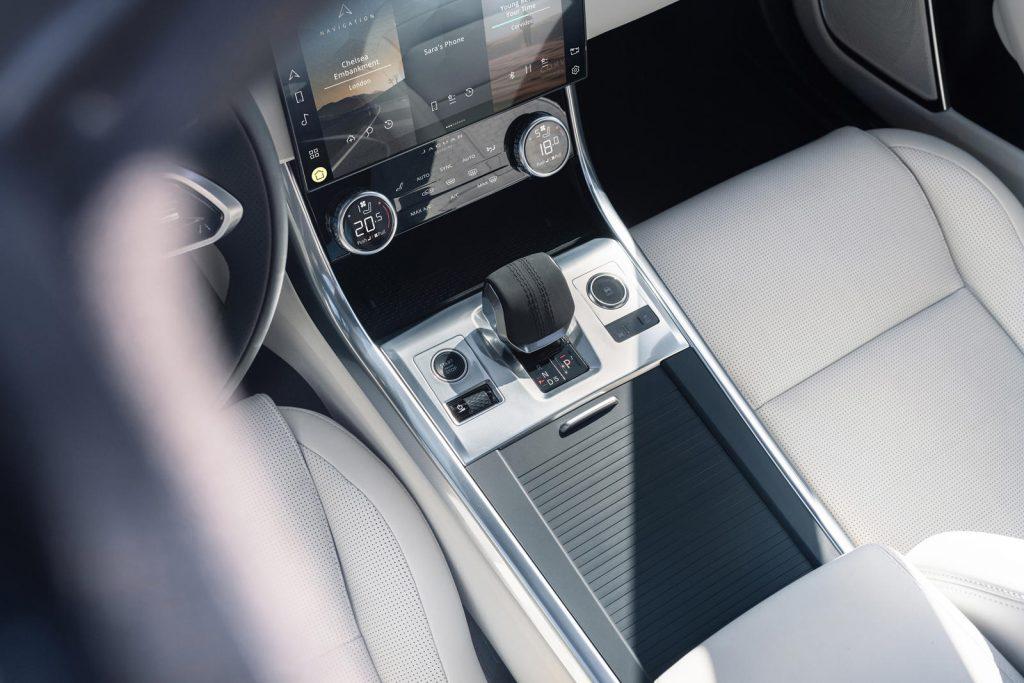 Jaguar-XF-2021-12-1024x683.jpg