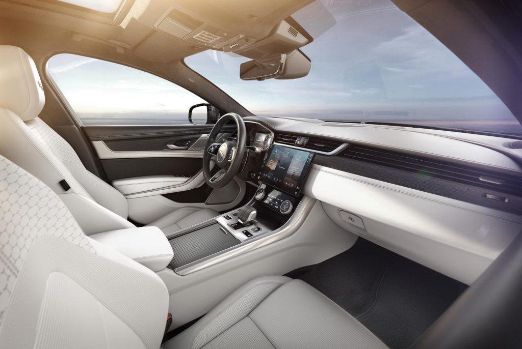 Jaguar-XF-2021-17-1024x686.jpg