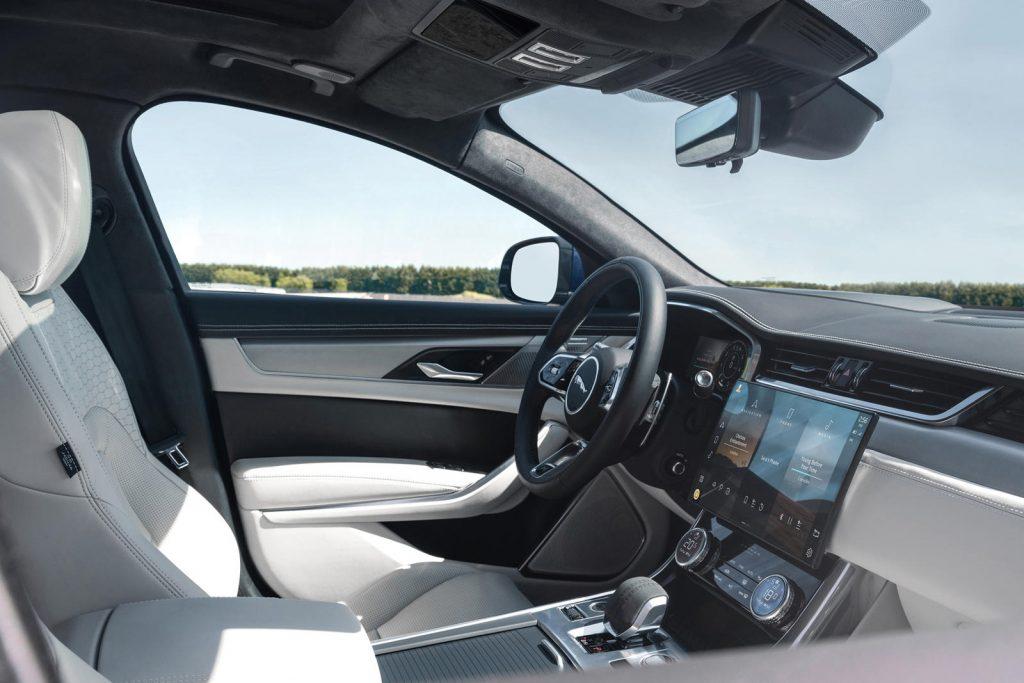 Jaguar-XF-2021-18-1024x683.jpg