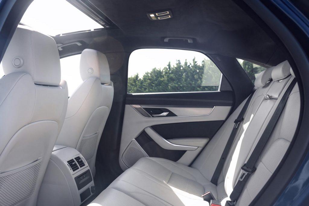 Jaguar-XF-2021-9-1024x683.jpg