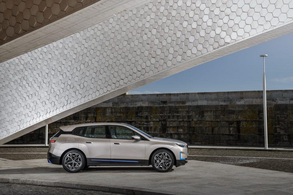 BMW-IX-22-1024x683.jpg