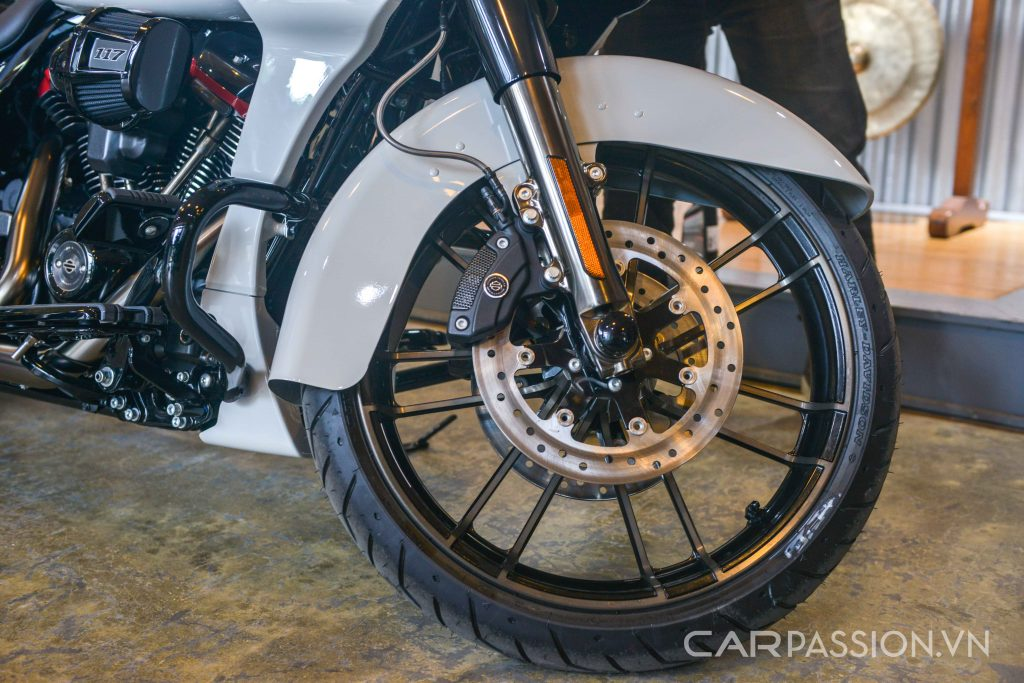 Harley-Davidson CVO Road Glide 2020 tại Việt Nam