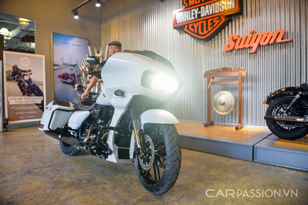 Cận cảnh Harley-Davidson CVO Road Glide 2020 3 chiếc tại việt nam