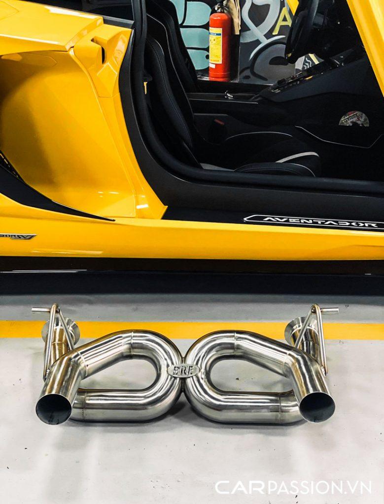 Aventador-SVJ-do-ong-xa-Brook-Race-4-779x1024.jpg