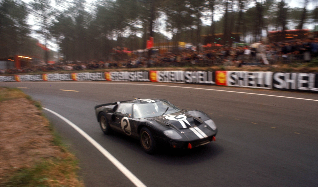1966_Ford_GT40MarkII.jpg