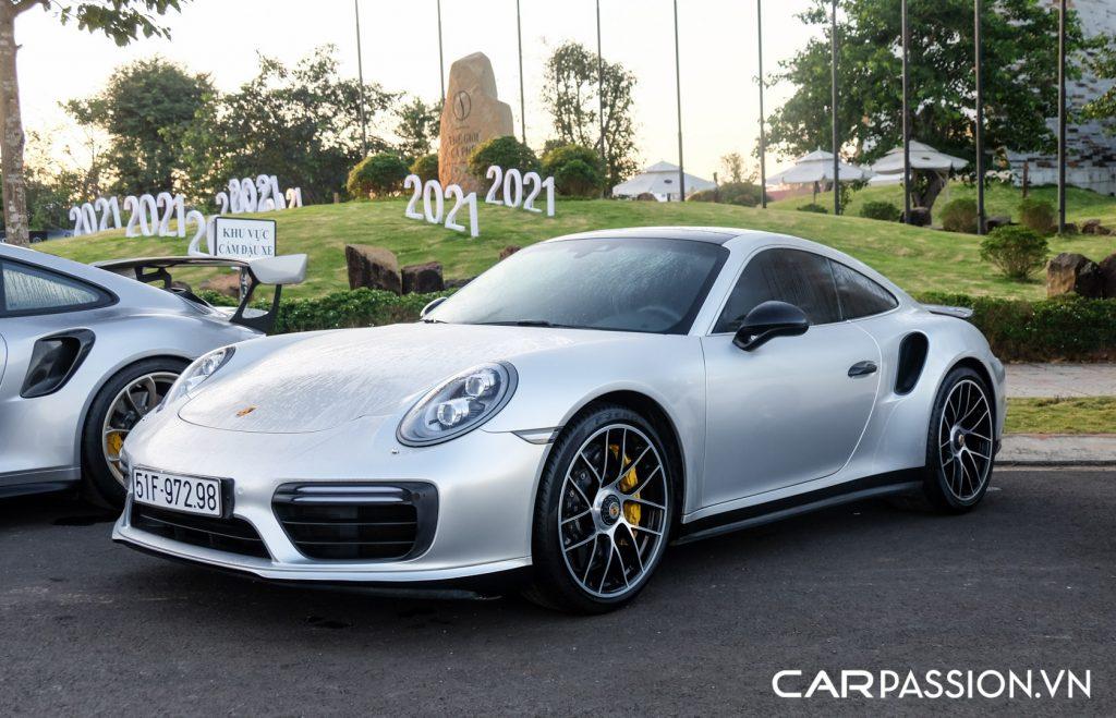 Bo-ba-Porsche-911-Turbo-S-cua-Tap-doan-ca-phe-Trung-Nguyen-10-1024x659.jpg