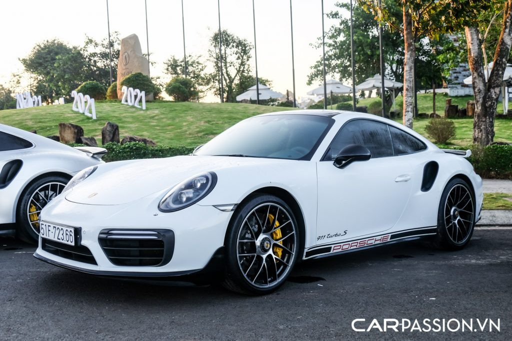 Bo-ba-Porsche-911-Turbo-S-cua-Tap-doan-ca-phe-Trung-Nguyen-11-1024x683.jpg