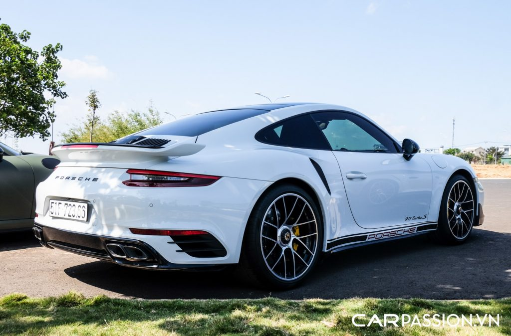 Bo-ba-Porsche-911-Turbo-S-cua-Tap-doan-ca-phe-Trung-Nguyen-43-1024x674.jpg