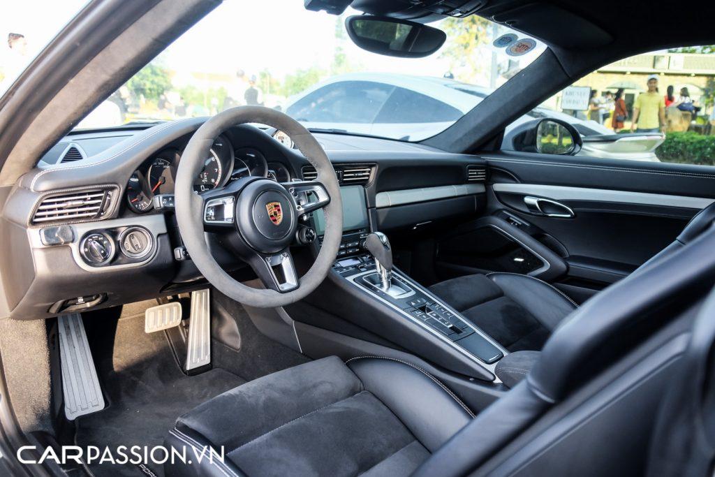 Bo-ba-Porsche-911-Turbo-S-cua-Tap-doan-ca-phe-Trung-Nguyen-45-1024x683.jpg