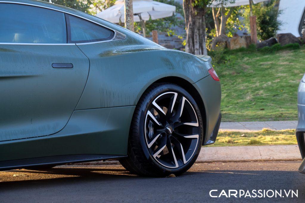 Cap-doi-Aston-Martin-Vanquish-cua-Tap-doan-ca-phe-Trung-Nguyen-24-1024x684.jpg