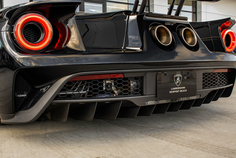 Ford-GT-Heritage-Edition-2017-14.jpg