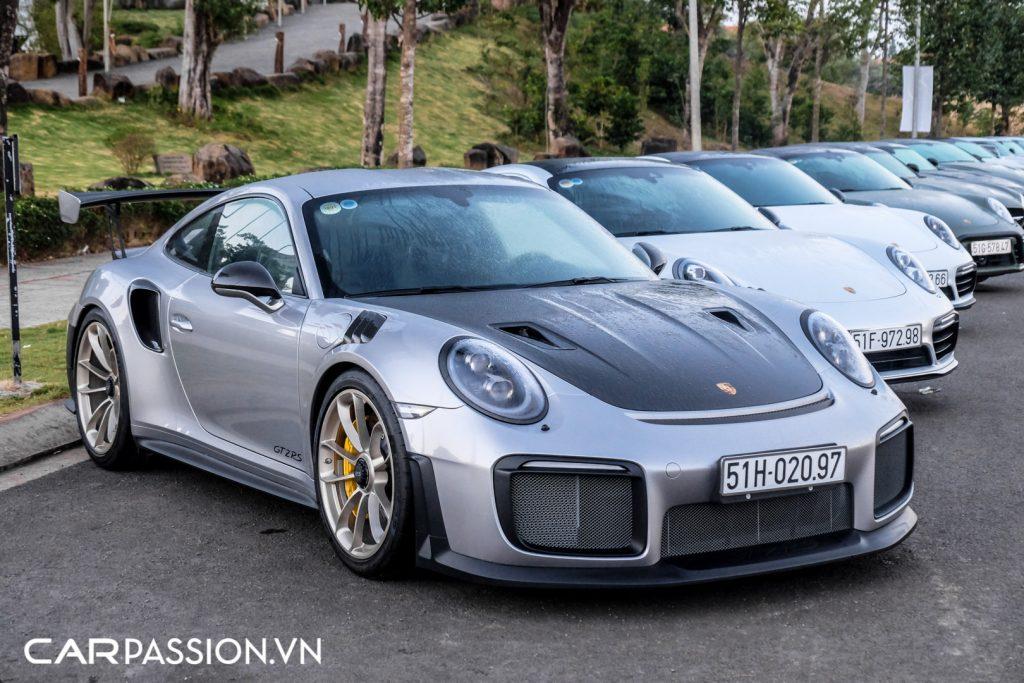 Sieu-xe-Porsche-911-GT2-RS-cua-Trung-Nguyen-Legend-2-1024x683.jpg
