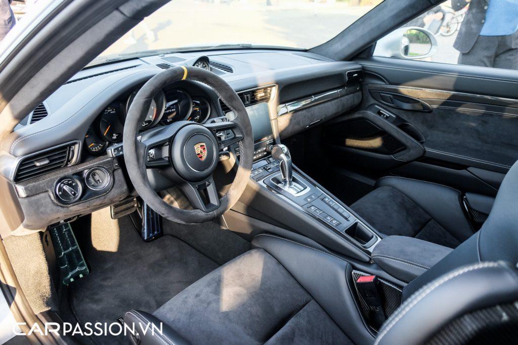 Sieu-xe-Porsche-911-GT2-RS-cua-Trung-Nguyen-Legend-30-1024x683.jpg