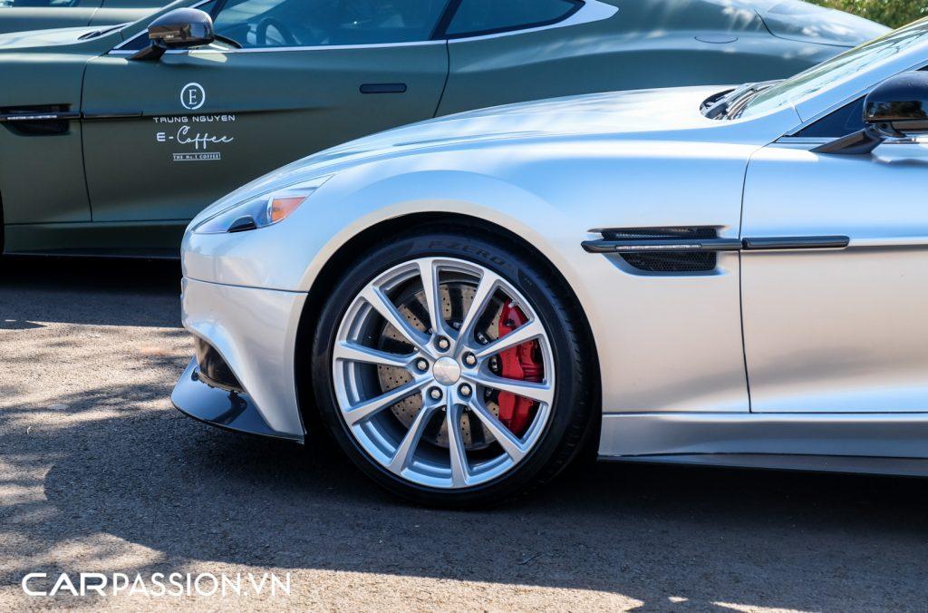 Aston-Martin-Vanquish-Volante-doc-nhat-vo-nhi-tai-Viet-Nam-1024x676.jpg
