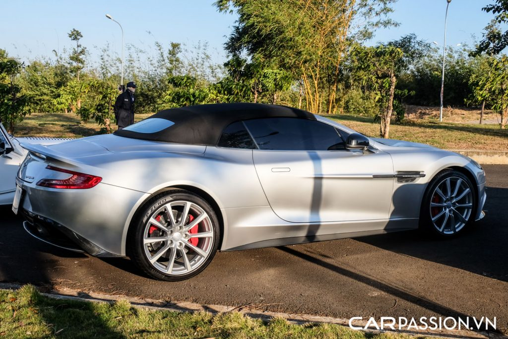Aston-Martin-Vanquish-Volante-doc-nhat-vo-nhi-tai-Viet-Nam-21-1024x683.jpg