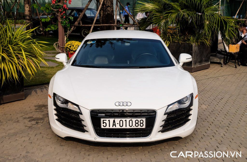 Hang-doc-Audi-R8-the-he-dau-tien-cua-Tap-doan-Novaland-2-1024x671.jpg