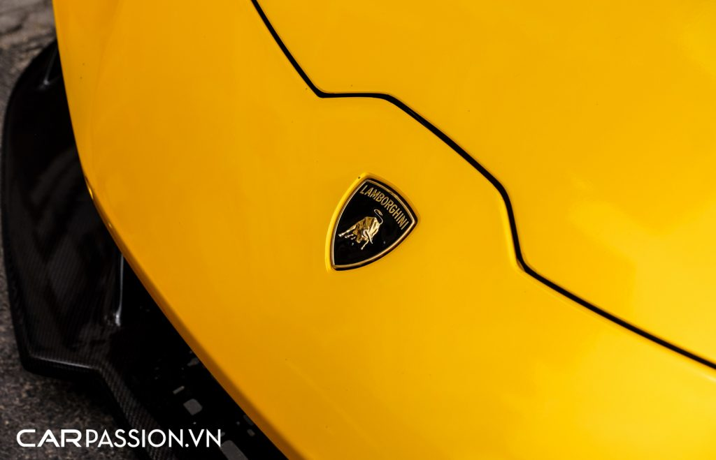 Huracan-do-Vorsteiner-Novara-Edizione-khoac-ao-vang-truyen-thong-cua-Lamborghini-17-1024x659.jpg