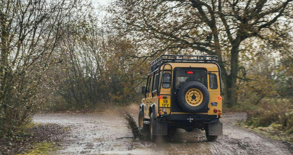 Land-Rover-Classic-Defender-Works-V8-Trophy-14_result-1024x545.jpg