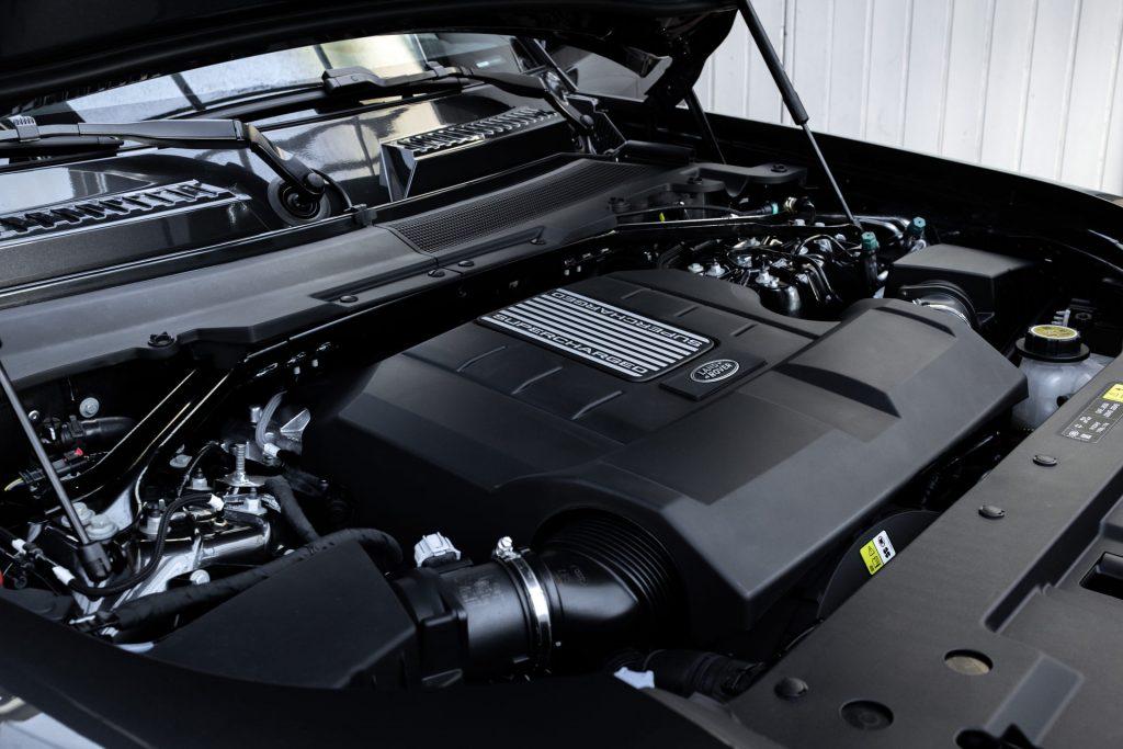 Land-Rover-Defender-V8-65-1024x683.jpg
