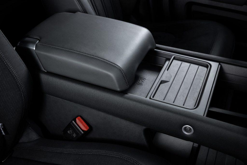 Land-Rover-Defender-V8-79-1024x683.jpg