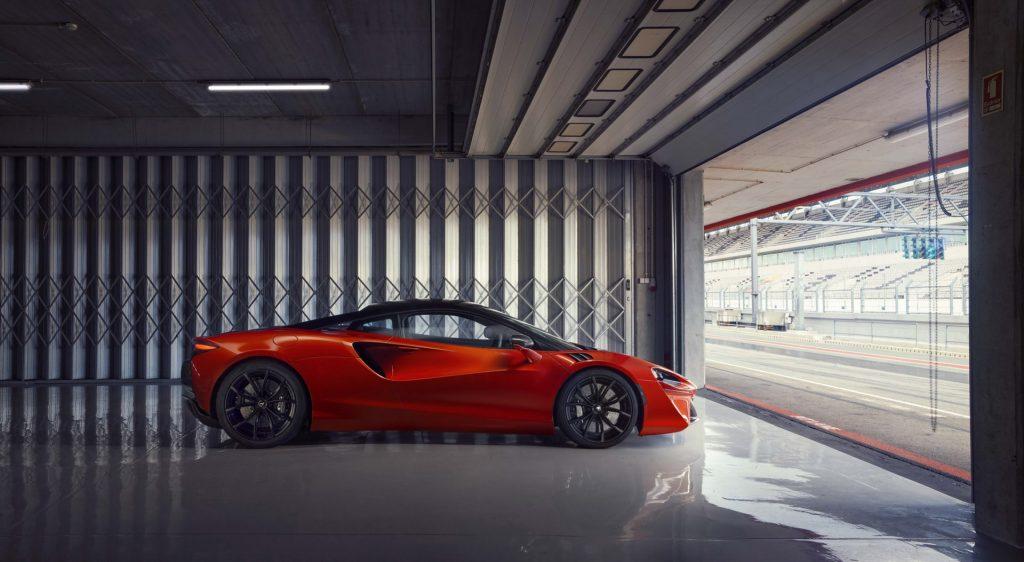 McLaren-Artura-8-1024x562.jpg