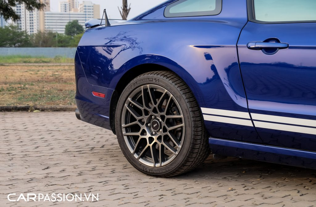 Mustang-Shelby-GT500-doc-nhat-Viet-Nam-tai-xuat-17-1024x671.jpg
